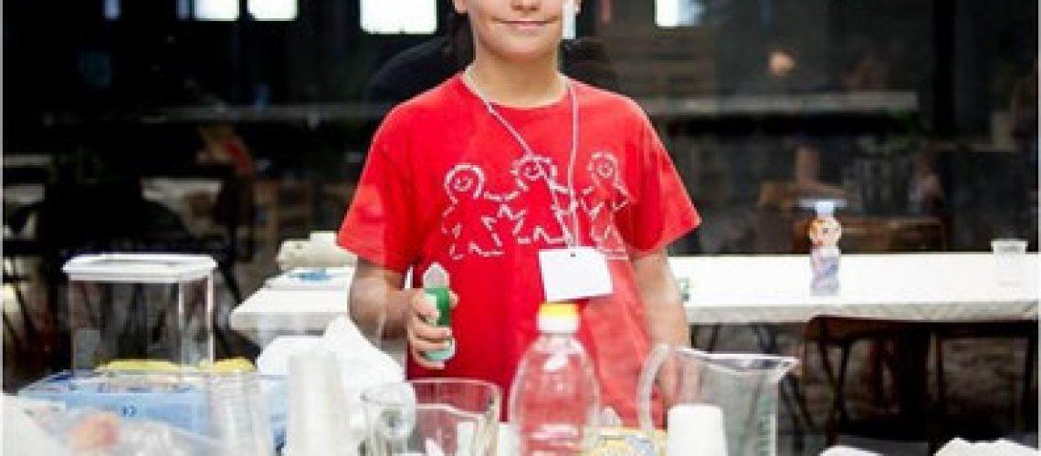 escuelab niño cientifico